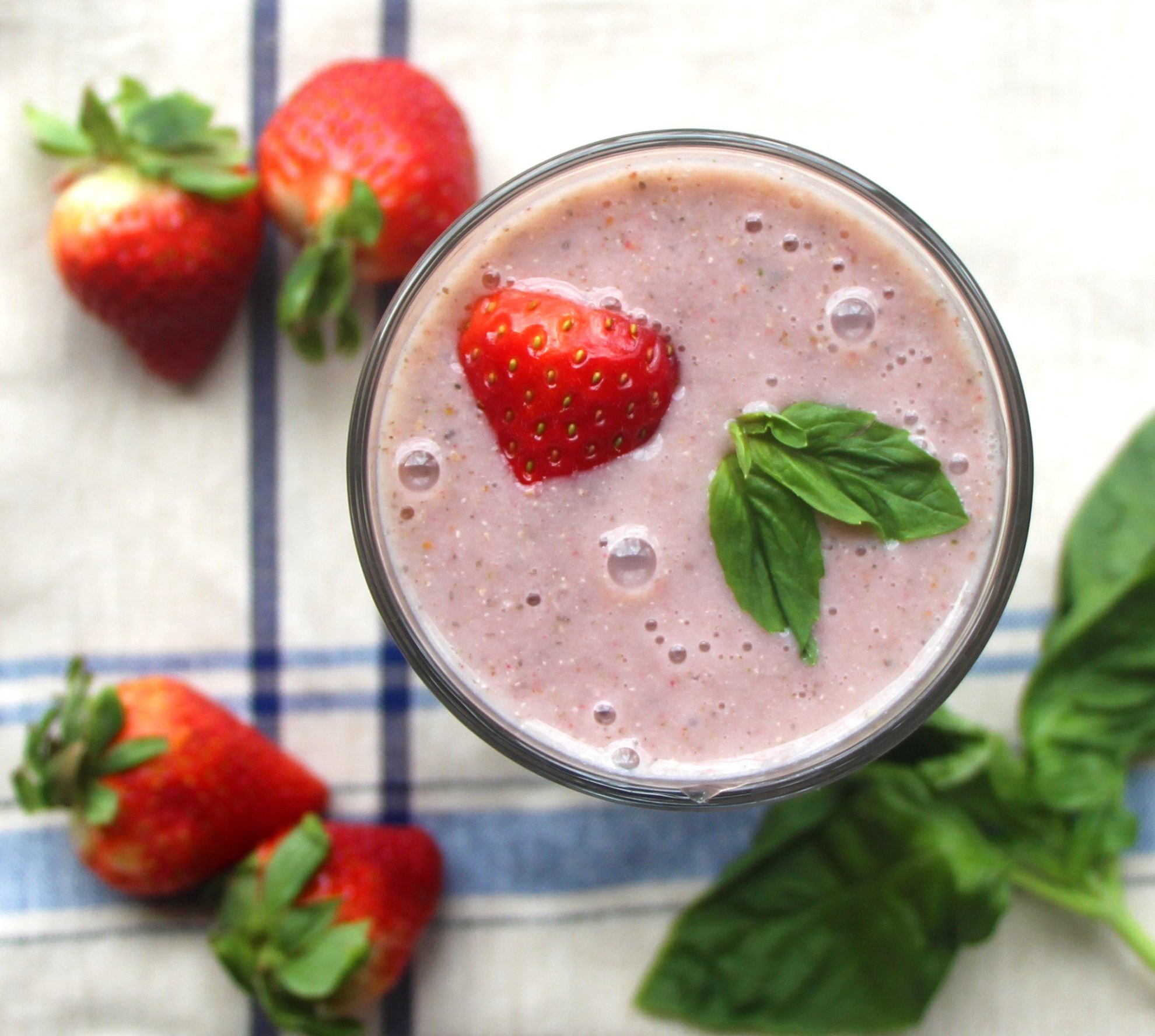 Smoothie photo shows how to improve food photography for your food blog photos