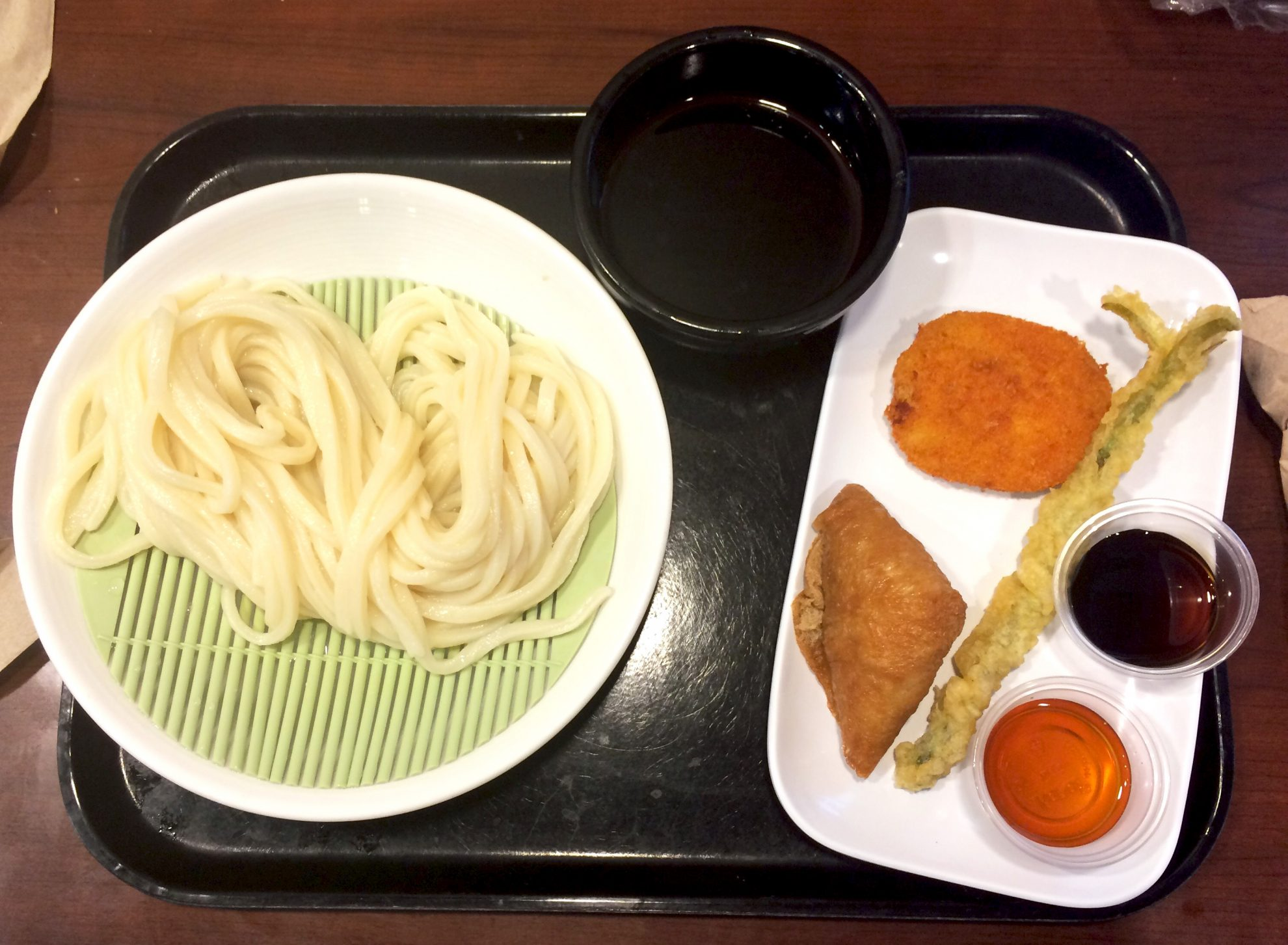 Zaru Udon with tempura on the side at Marukame Udon is one of the foods you must try in Waikiki