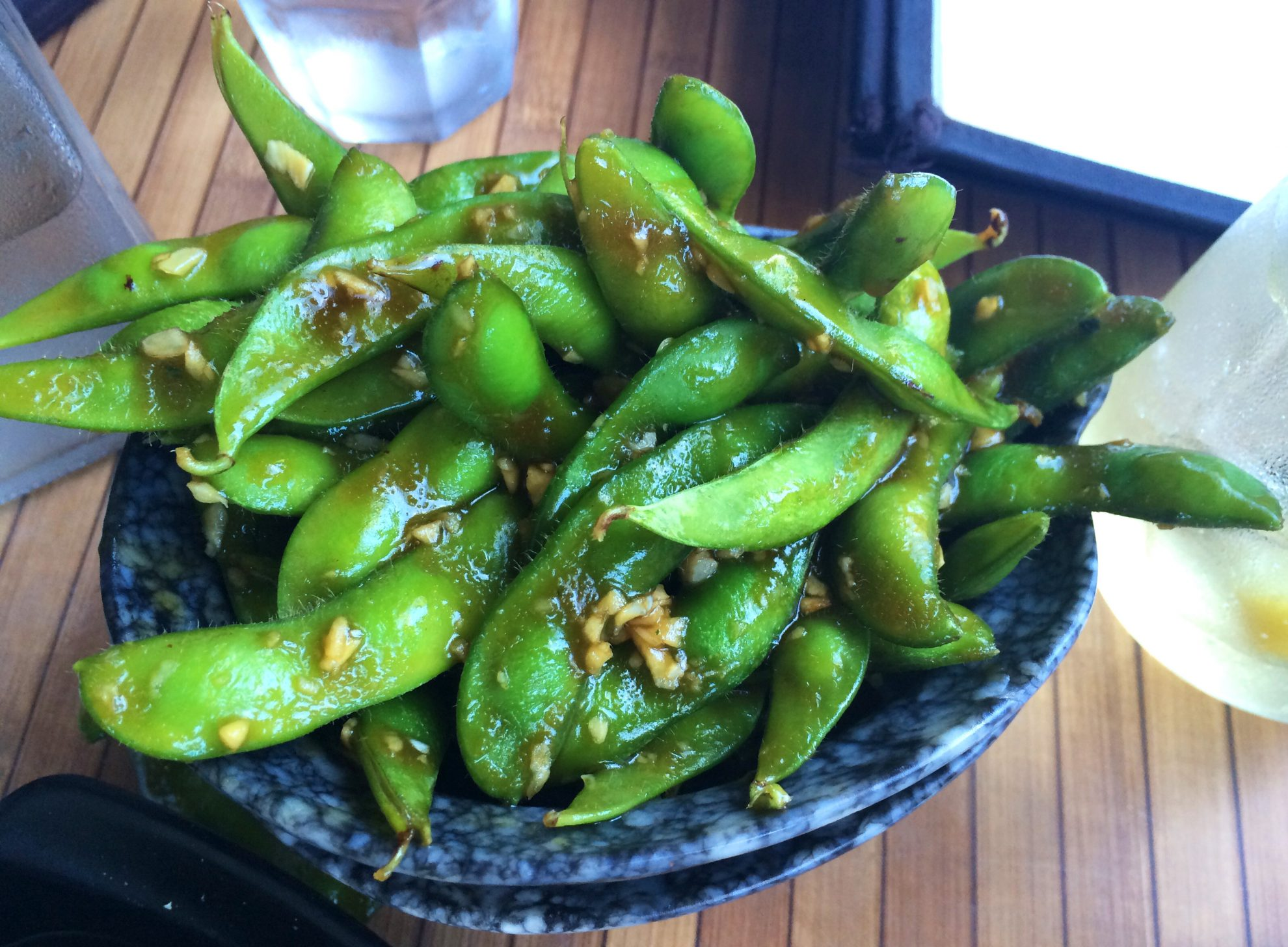What to eat in Waikiki- edamame in a garlic terriyaki sauce