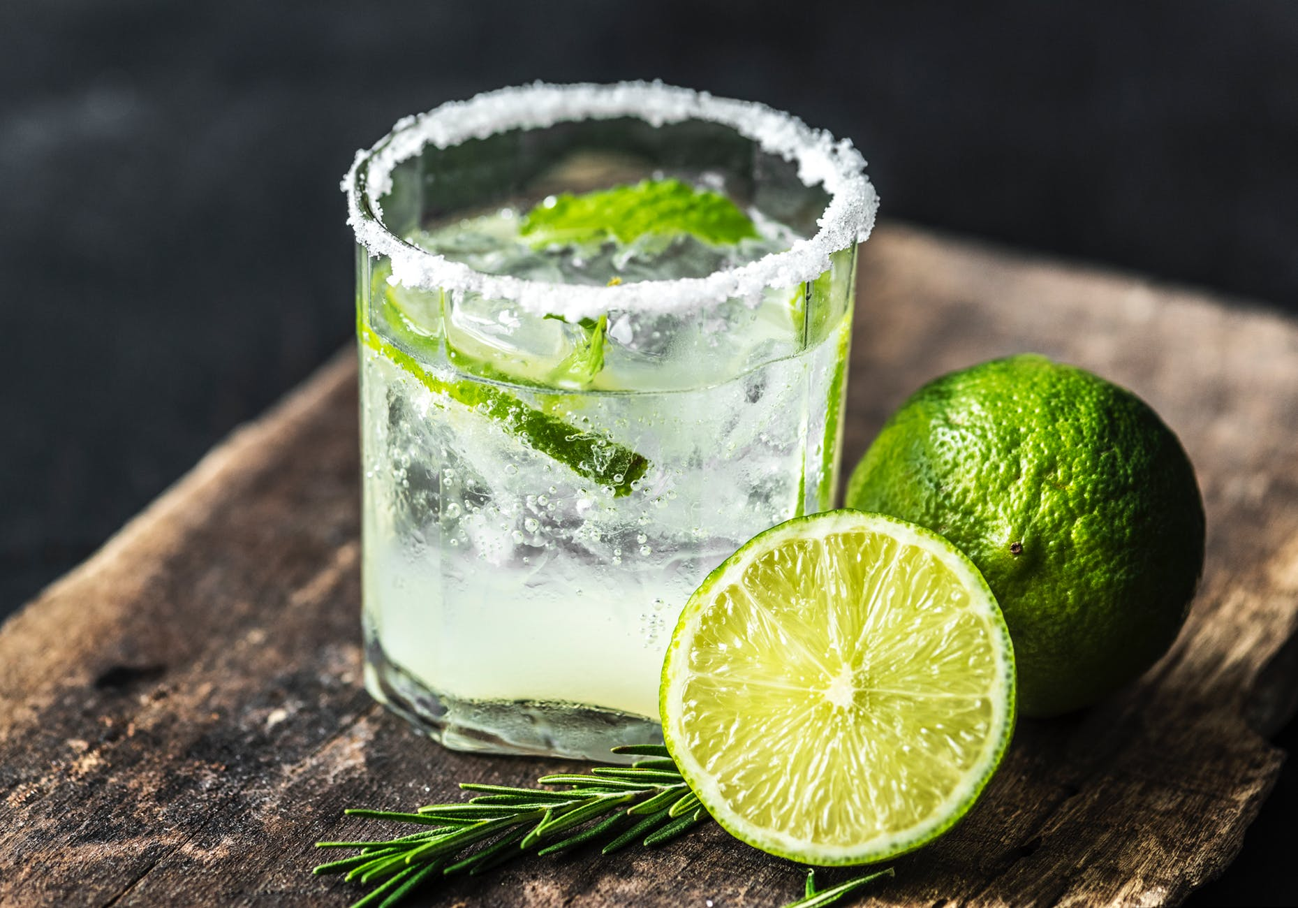 Are margaritas keto? Learn how to eat out at a Mexican restaurant on keto